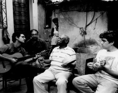 """""""Babaú na Casa do Cachaça - Verde e Rosa Blues"""" (2005) Foto: Divulgação"""