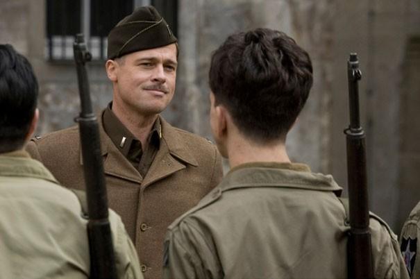 il-soldato-brad-pitt-in-una-scena-di-inglourious-basterds