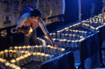 in-photos-marches-and-demonstrations-swell-across-mexico-and-world-for-missing-students-body-image-1414089359