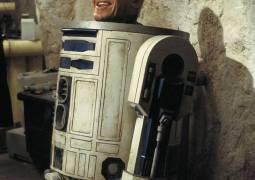 Muere Kenny Baker, el actor tras R2D2