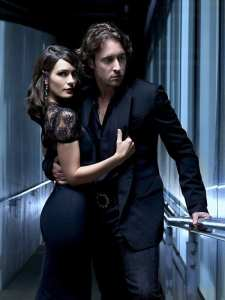 una-foto-promo-di-shannyn-sossamon-e-alex-o-loughlin-per-la-serie-tv-moonlight-123439