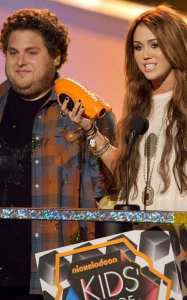 Miley Cyrus premiata ai Kids Choice Awards 2010
