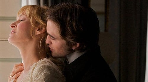 "Robert Pattinson e Uma Thurman in ""Bel Ami"""