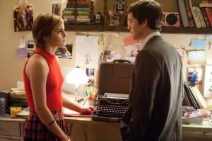 Emma Watson e Logan Lerman in una scena di Noi siamo infinito