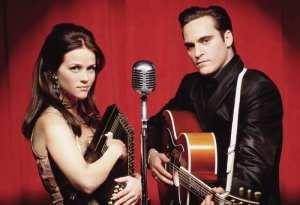 Reese Witherspoon e Joaquin Phoenix in Quando l'amore brucia l'anima