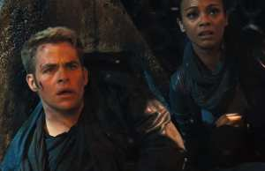 Chris Pine e Zoe Saldana in Into Darkness - Star Trek