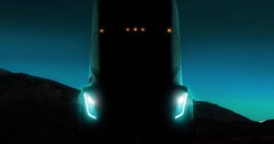 Tesla Elektrikli Tırını Tanıtıyor: Peki Biz Neler Bekliyoruz?