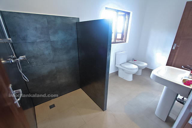 Small bathroom ideas modern bathroom designs in sri lanka for Bathroom designs sri lanka