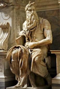 Il Mosè per il monumento funebre a Giulio II (foto di Goldmund100 via Wikimedia Commons)