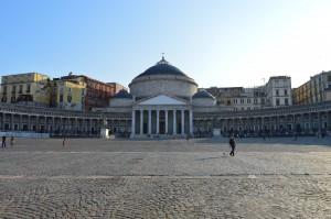 Napoli, Piazza Plebliscito