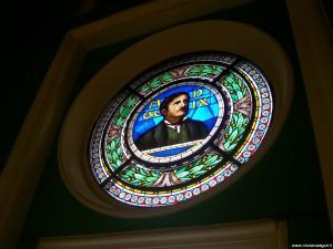 Rocchetta Mattei, vetrata raffigurante Cesare Mattei