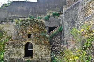 Tomba di Virgilio, Parco Piedigrotta, Napoli