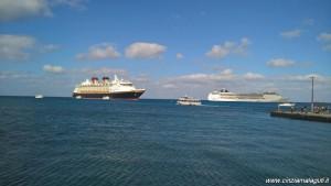 MSC Opera ancorata alle Isole Cayman