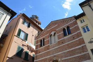 Lucca, centro storico, in vista della Torre Guinigi