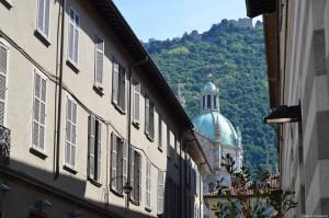 Como, centro storico, in vista cupola Duomo