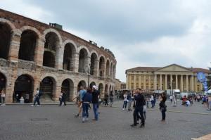 Verona, Atena e Palazzo Barbieri