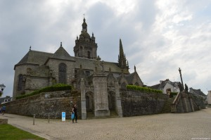 Complesso parrocchiale con calvario di St Thegonnec