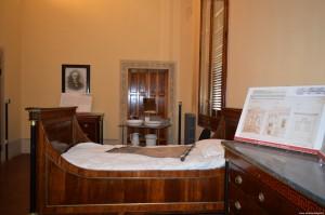 Bentivoglio, Palazzo Rosso, ricostruzione camera da letto del marchese Pizzardi