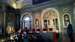 Hanks, Jones e Howard alla presentazione del film Inferno al Salone dei Cinquecento di Palazzo Vecchio a Firenze