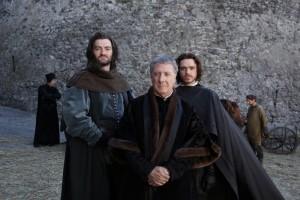 La fiction sui Medici, nella foto gli attori che interpretano Giovanni, Cosimo e Lorenzo