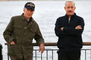 Clint Eastwood e Tom Hanks in pausa durante le riprese di Sully