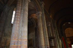 Poitiers, Chiesa Notre Dame la Grande, colonne policrome