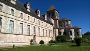 Abbazia di Saint Savin, panoramica dal giardino