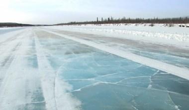 strada di ghiaccio