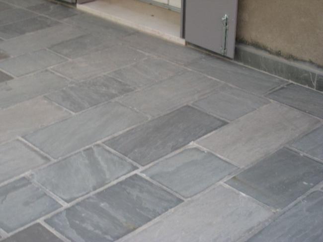 Pavimentazione per esterni  Pietra dindia grigia