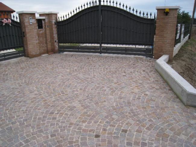 Pavimentazioni per esterni  Pavimentazioni in pietra