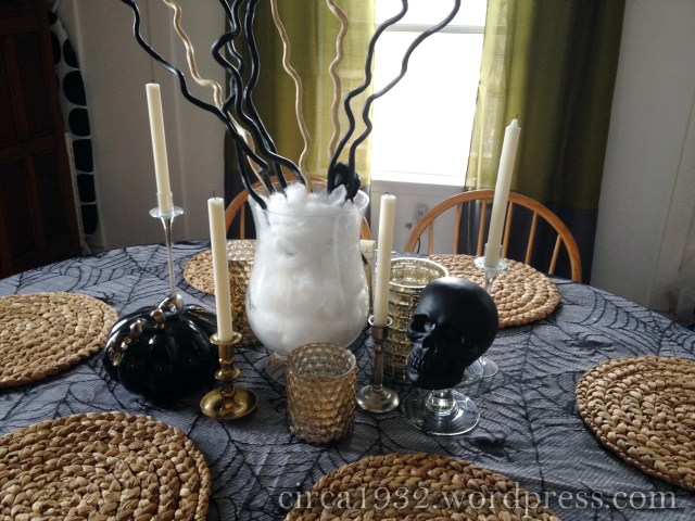 halloween tablescape mid