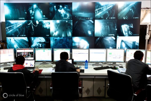 Inside the control room of the Ordos mine, operated by Shenhua Group. Photo ©Toby Smith, Reportage by Getty Images