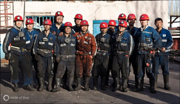 As China's thirst for coal continues to grow, deeper and deeper seams are being explored. This mine, operated by Shenhua Group, has a modern hydraulic coal face, operated by a smaller workforce. Photo © Toby Smith / Reportage by Getty Images for Circle of Blue