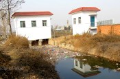 shanxi province xian Choke Point China Water Pollution trash debris garbage irrigation canal agriculture food production