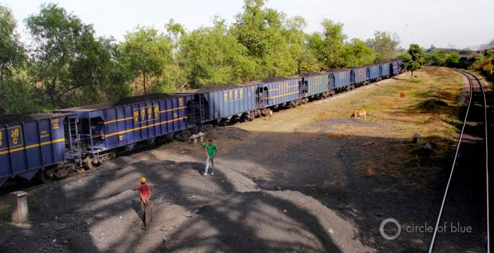 Gevra open-pit Coal India Chhattisgarh Southeastern Coalfields Ltd. coalbelt mine mining industry train coal-fired power plant transportation rail system water food energy choke point circle of blue wilson center aubrey ann parker
