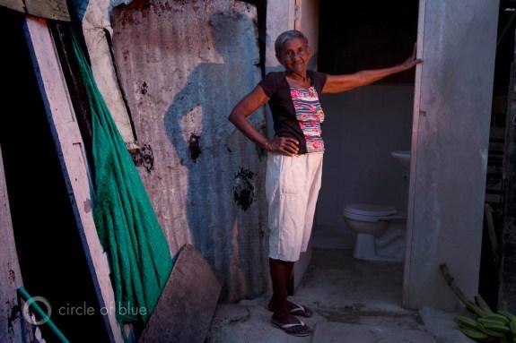 milena morano social work poverty sanitation clean drinking water Cartegena Colombia New Horizons El Pozon The Well slum squatter village family 2013 Creating Shared Value csv global forum j. carl ganter circle of blue