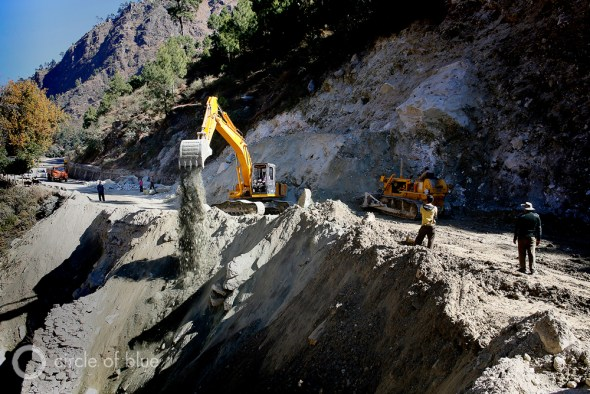 More than 9,000 kilometers of roads were damaged by the flood, and over 1,000 kilometers of roads disappeared or were torn apart. Much of the damage was caused by innumerable landslides. Photo: Dhruv Malhotra