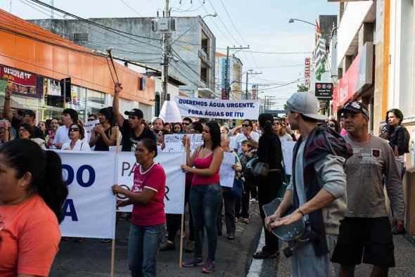 Sao Paulo drought water rationing protest Itu Brazil