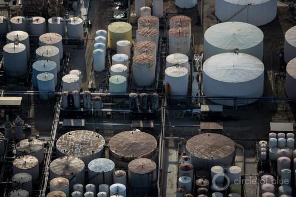 California Bakersfield Kern County oil industry tank wastewater disposal processing water J. Carl Ganter Circle of Blue