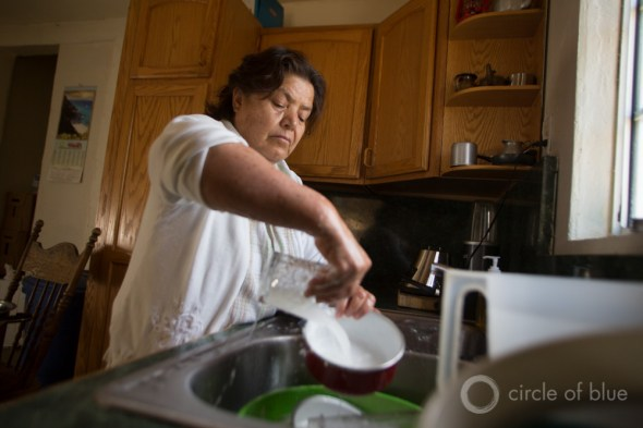 California drought East Porterville dry well washing dishes drinking water crisis Carl Ganter Circle of Blue