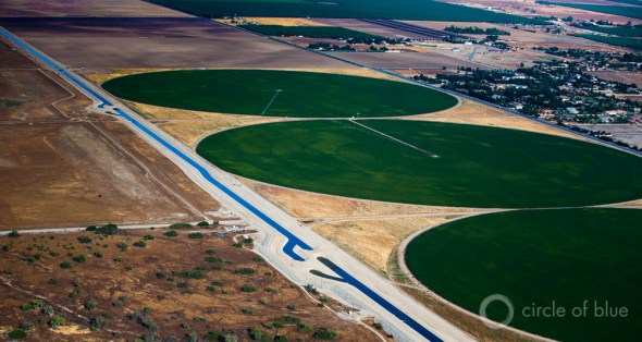 California drought Kern County crop circle agriculture irrigation aerial J. Carl Ganter Circle of Blue Maestro Conference Catalyst California town hall