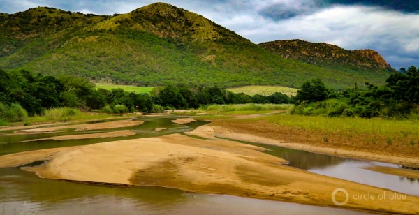2016-01-South-Africa-1-KSchneider_Pongola-River