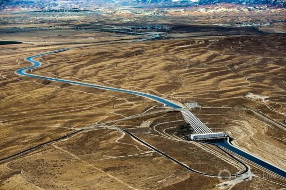 Kern County California canal aqueduct water desert Circle of Blue