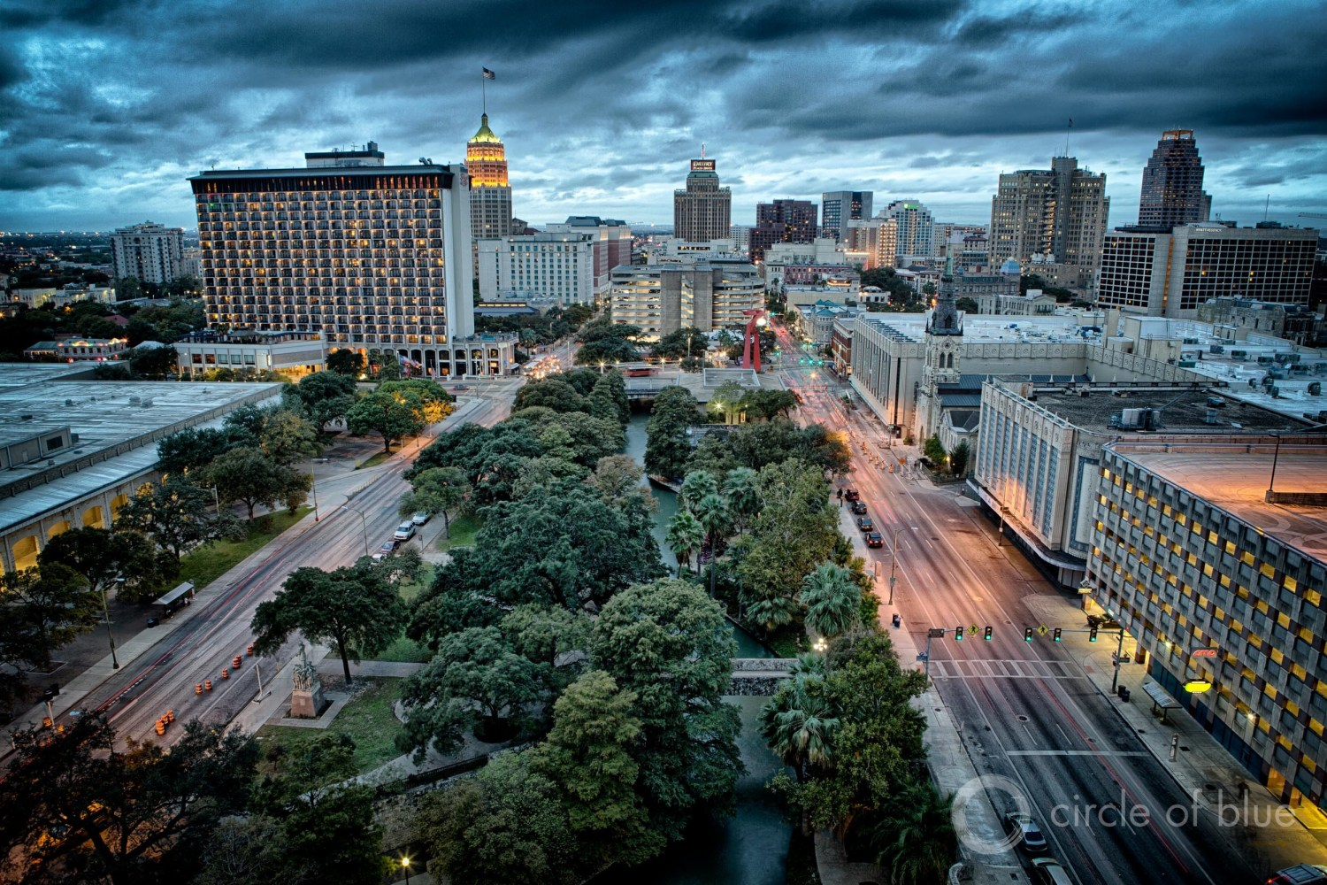 The 2017 Texas water plan forecasts a 62 percent increase in municipal water demand by 2070, driven in large part by growing metropolises such as San Antonio, pictured above. Photo © J. Carl Ganter / Circle of Blue