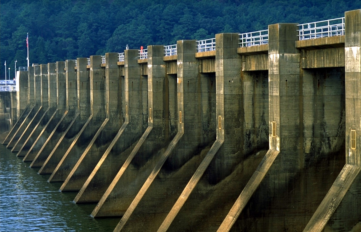 Guntersville Dam is a federally operated facility on the Tennessee River in northeastern Alabama. But most Alabama dams -- nine out of 10 -- are privately owned. The state does not know the condition or location of many of them.
