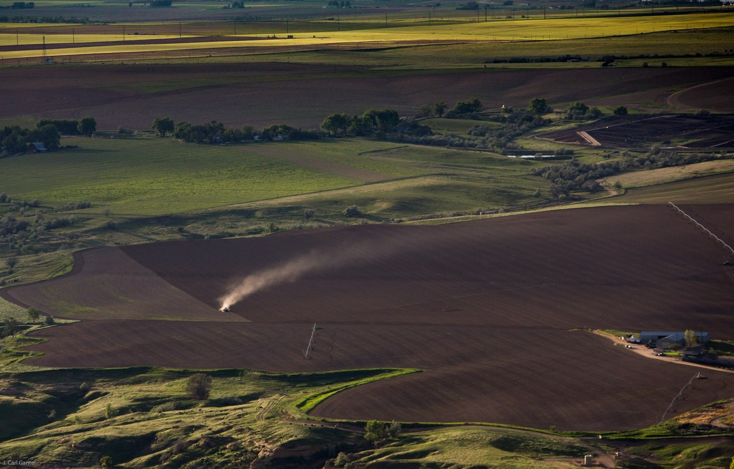 Evening settles over farmland in Weld County, Colorado. Photo © J. Carl Ganter / Circle of Blue