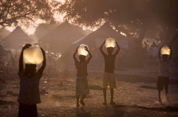 https://upload.wikimedia.org/wikipedia/commons/thumb/7/76/Minkaman%2C_Awerial_County%2C_South_Sudan_%2812046874976%29.jpg/1024px-Minkaman%2C_Awerial_County%2C_South_Sudan_%2812046874976%29.jpg