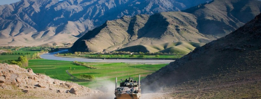 https://upload.wikimedia.org/wikipedia/commons/4/43/ASLAV_in_Afghanistan_during_early_2011.jpg