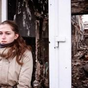 https://upload.wikimedia.org/wikipedia/commons/8/81/Damaged_building_in_Kurakhove%2C_Donetsk_region.jpg