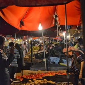 https://commons.wikimedia.org/wiki/File:Al_Hudaydah_Market,_Yemen_(11042765095).jpg